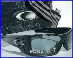 NEW Oakley BATWOLF Black Matte USA Tonal BW POLARIZED Gray Sunglass 9101-60