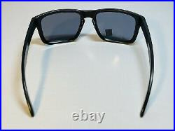 New Oakley Holbrook Mens Sunglasses SI Military USA Flag Black Frame With Grey